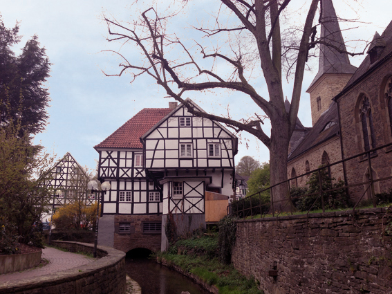 wetter-wengern_leimkasten_und_dorfkirche_an_der_elbsche_k2